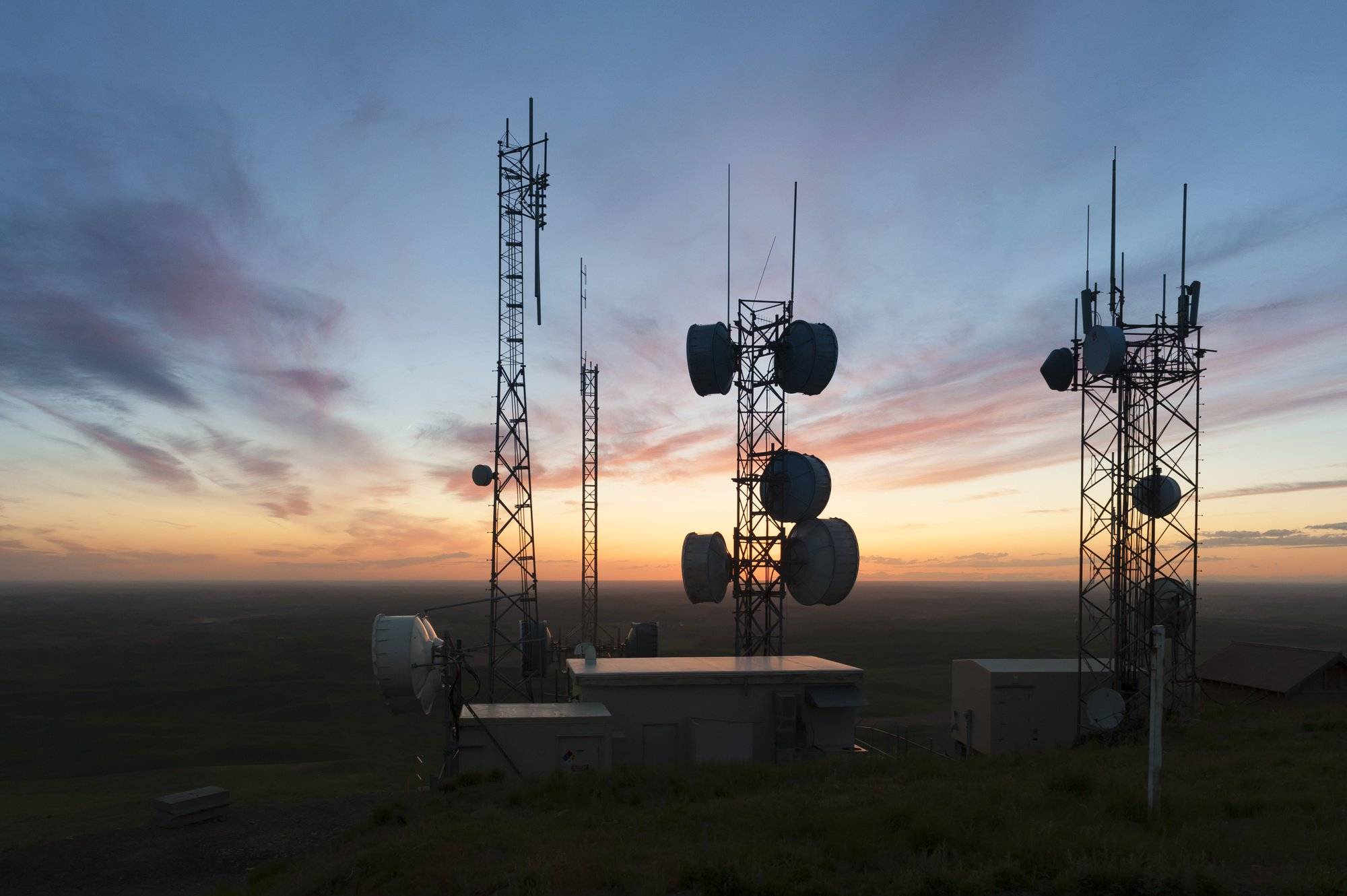 cell tower land lease rates